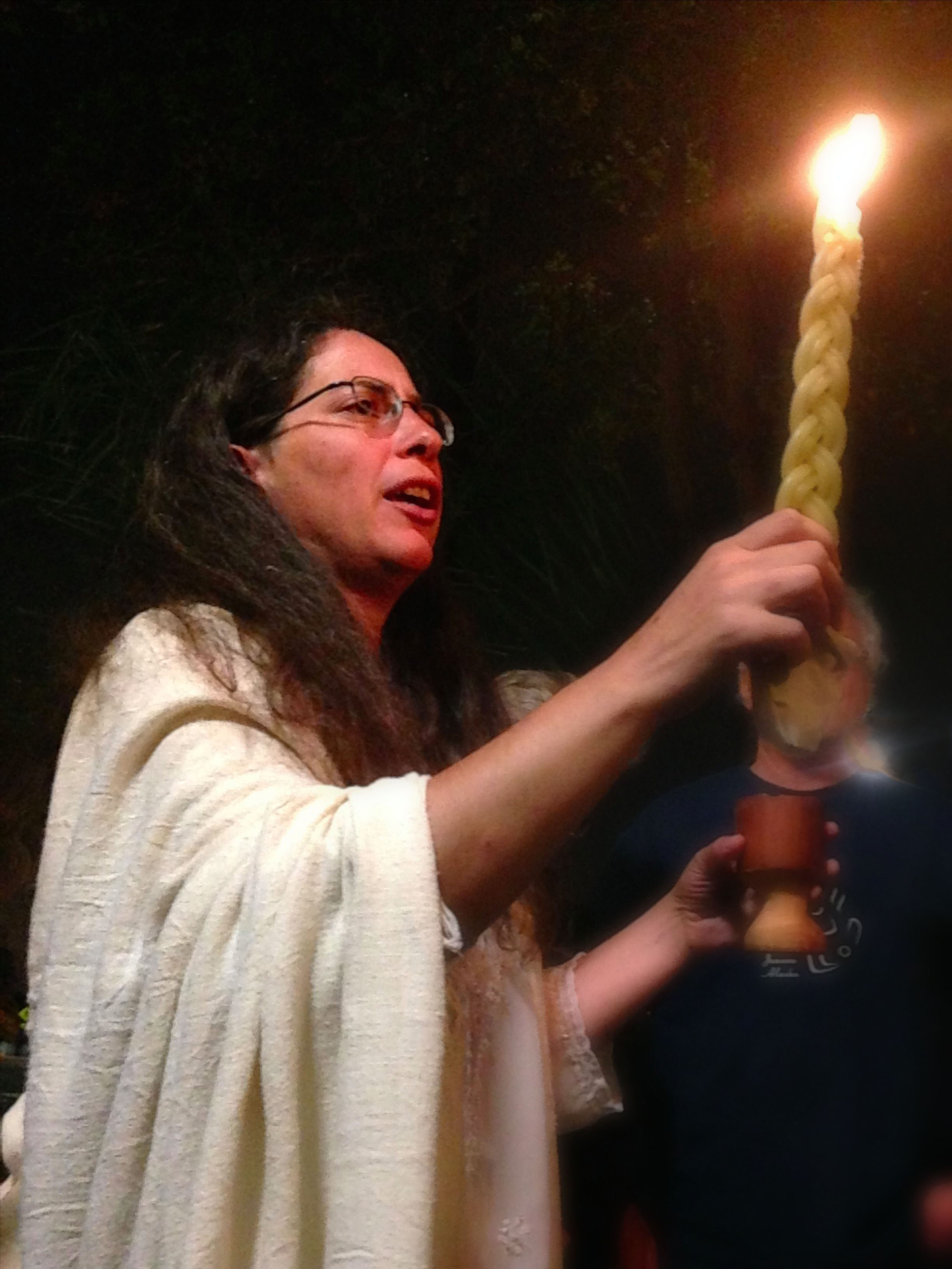 RJulia w_Havdallah Candle - WEBSITE Crop-Corrected